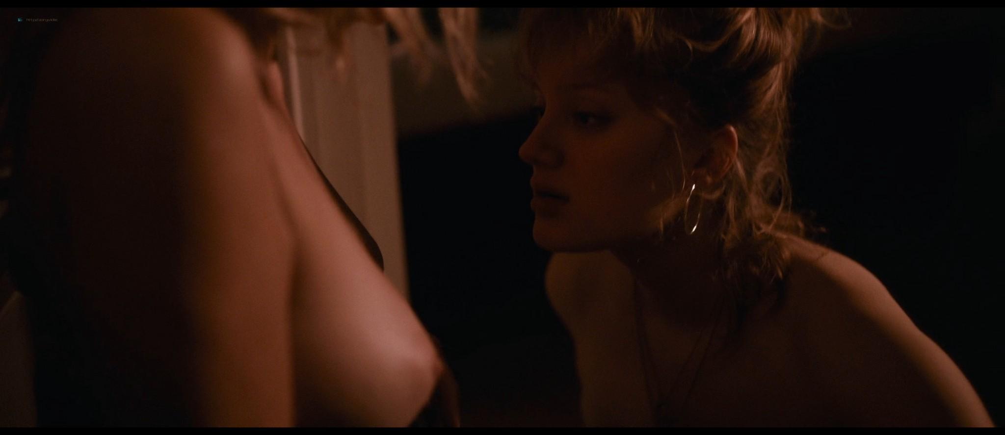 Nadia Tereszkiewicz nude lesbian sex with Valeria Bruni Tedeschi - Seules les bêtes (FR-2019) HD 1080p BluRay (11)
