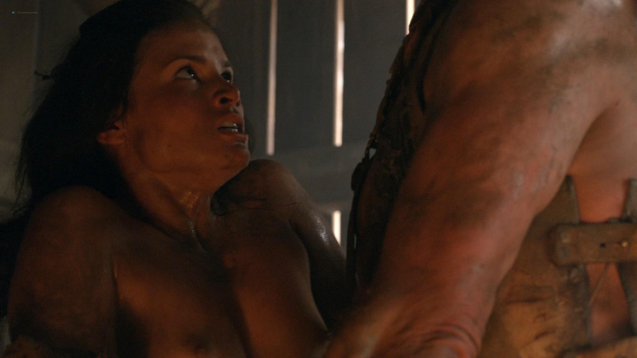 Viva Bianca nude topless Katrina Law, Bonnie Sveen, etc -Spartacus - Vengeance (2012) e3 1080p (4)