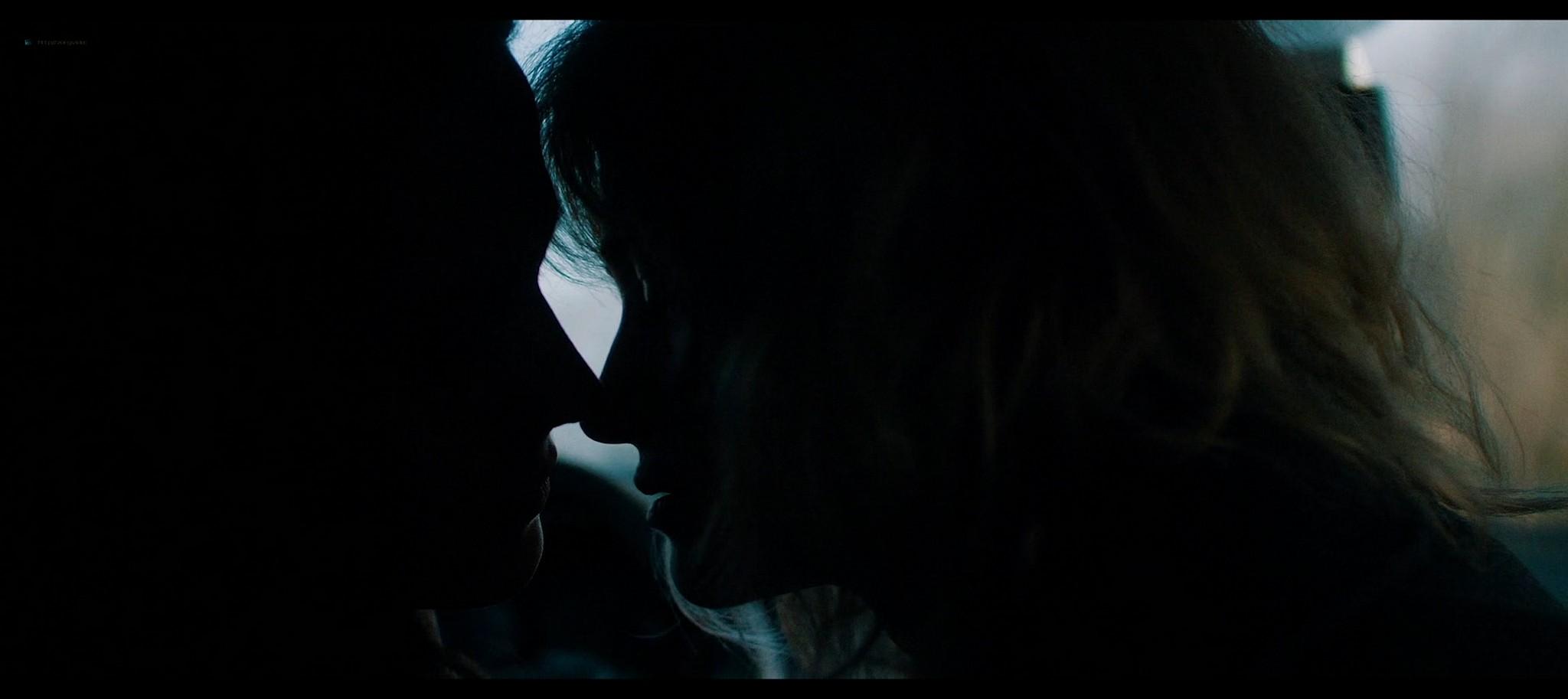Anna Shields nude topless Rachel Finninger hot lesbian sex - Monstrous (2020) HD 1080p Web (13)
