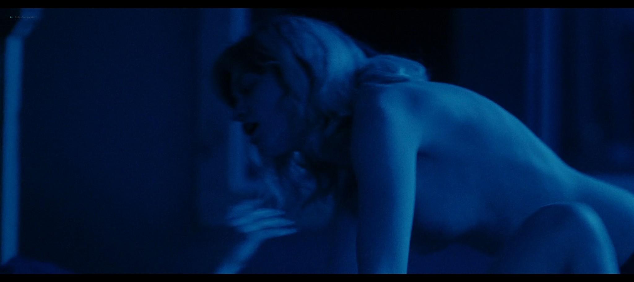 Anna Shields nude topless Rachel Finninger hot lesbian sex - Monstrous (2020) HD 1080p Web (3)