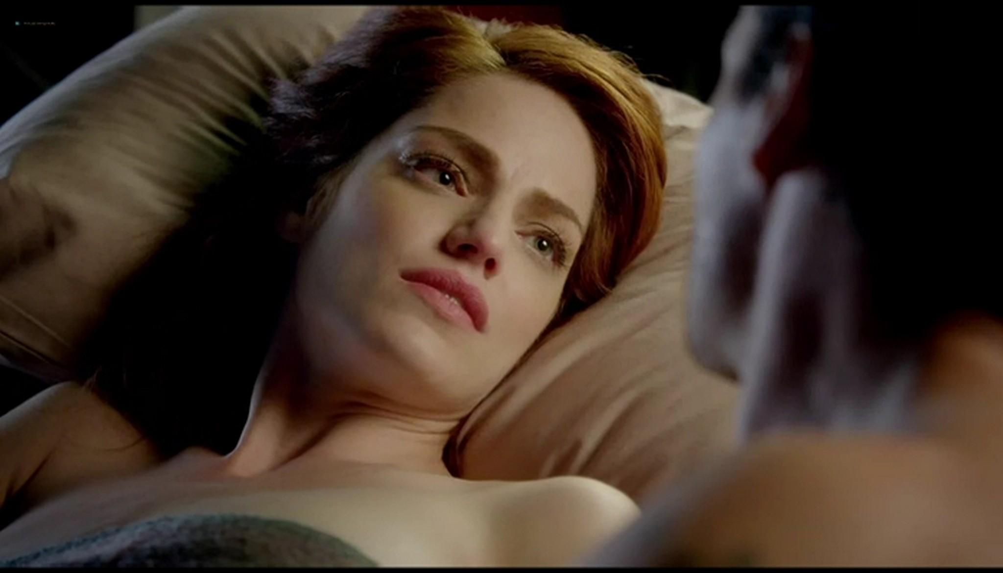 Diana Gettinger nude sex Moniqua Plante nude lesbian - Femme Fatales (2012) s2e2 - Gun Twisted (7)