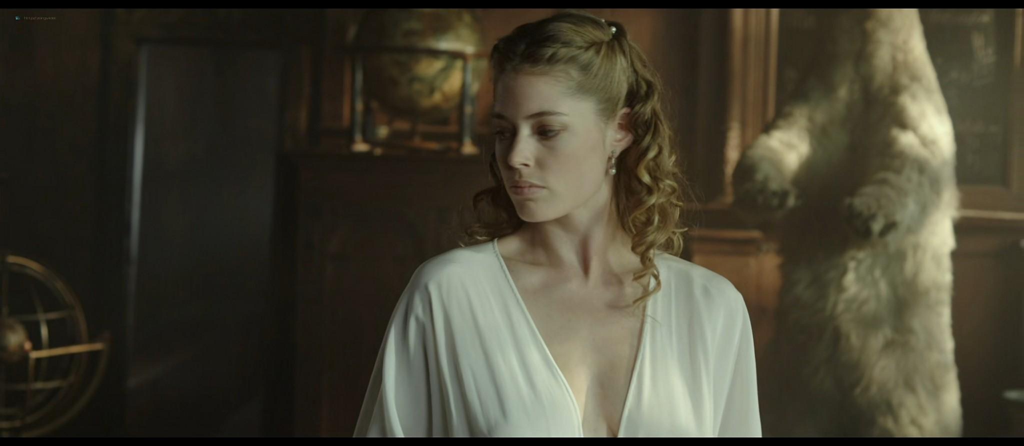 Doutzen Kroes cute and very sexy - Nova Zembla (2011) HD 1080p BluRay