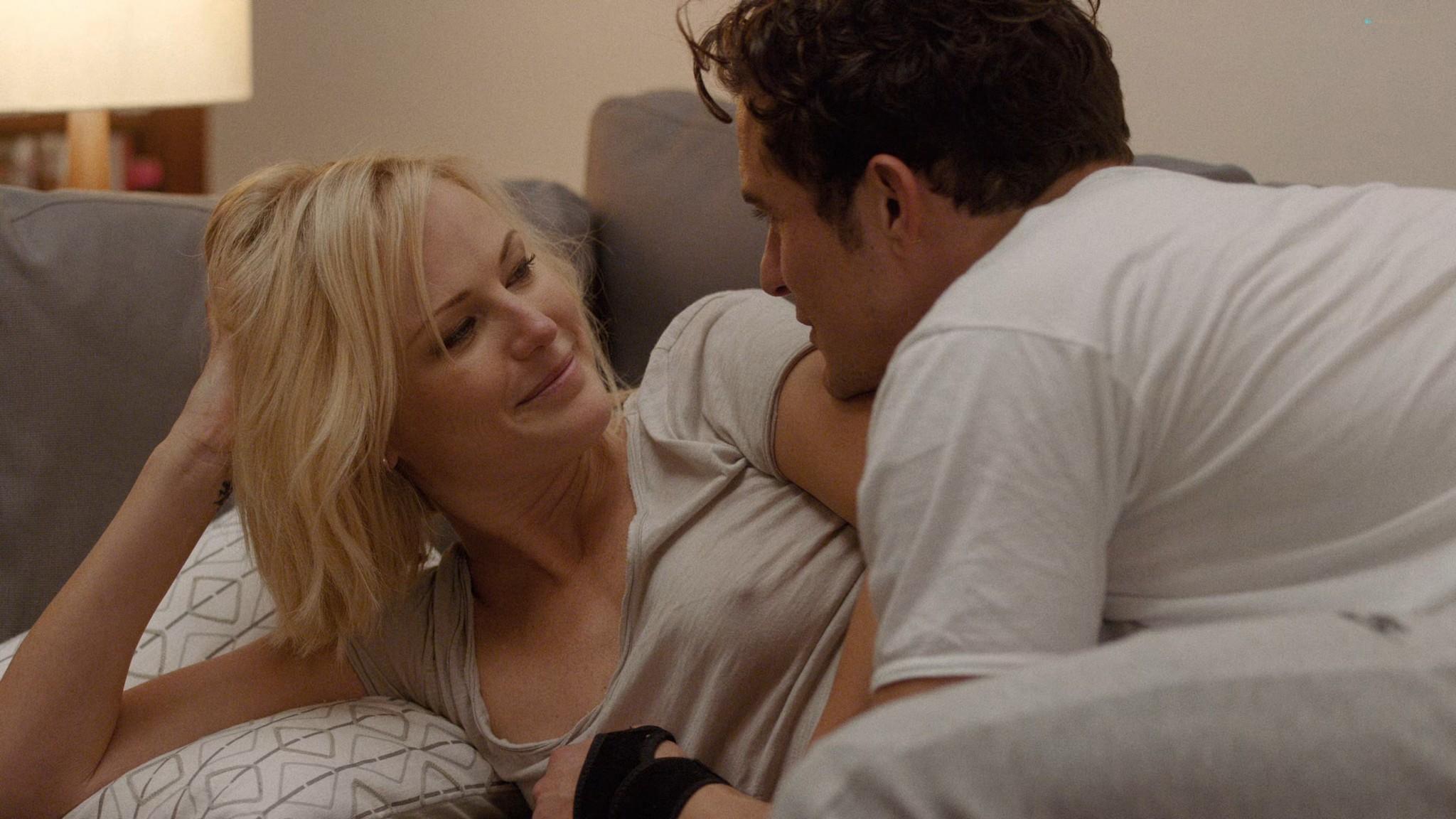 Malin Akerman nude sex threesome with Kate Micucci Easy 2016 s1e6 UHD 2160 1080p 001