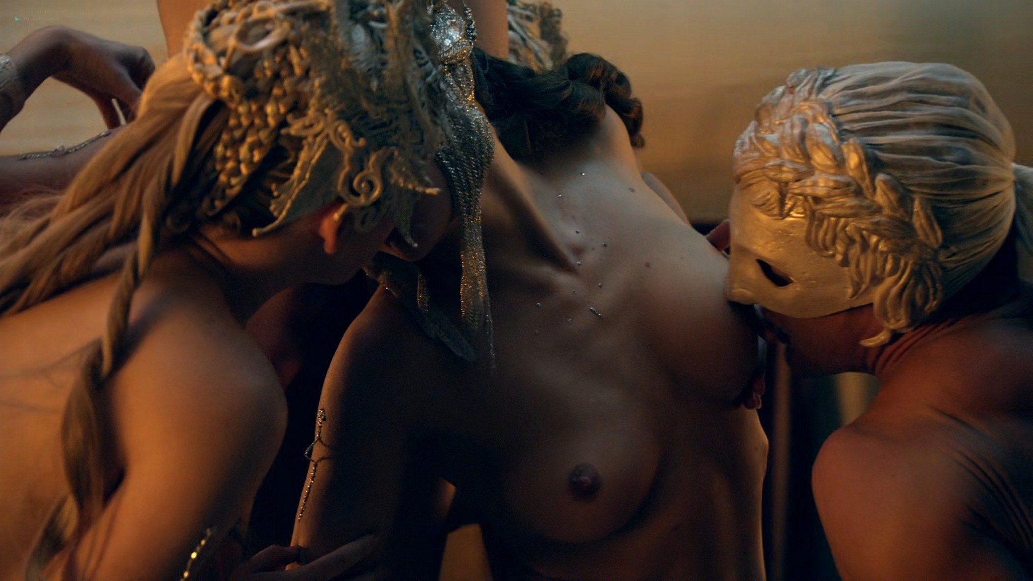 Viva Bianca nude Lucy Lawless nude sex others nude - Spartacus - Vengeance (2012) e4 1080p BluRay (8)