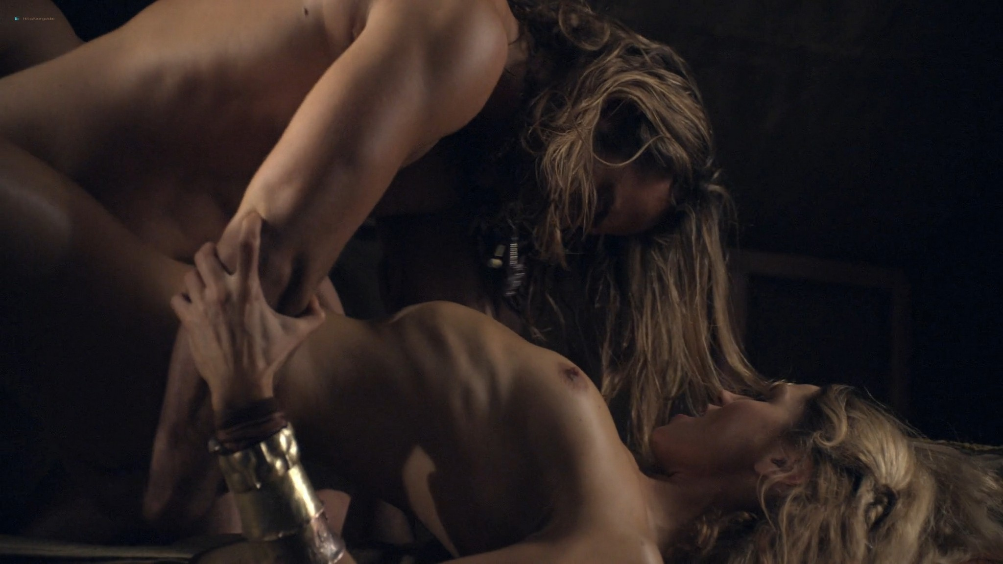 Ellen Hollman nude sex Jenna Lind Cynthia Addai Robinson and other nude Spartacus 2013 HD 1080p BluRay 007