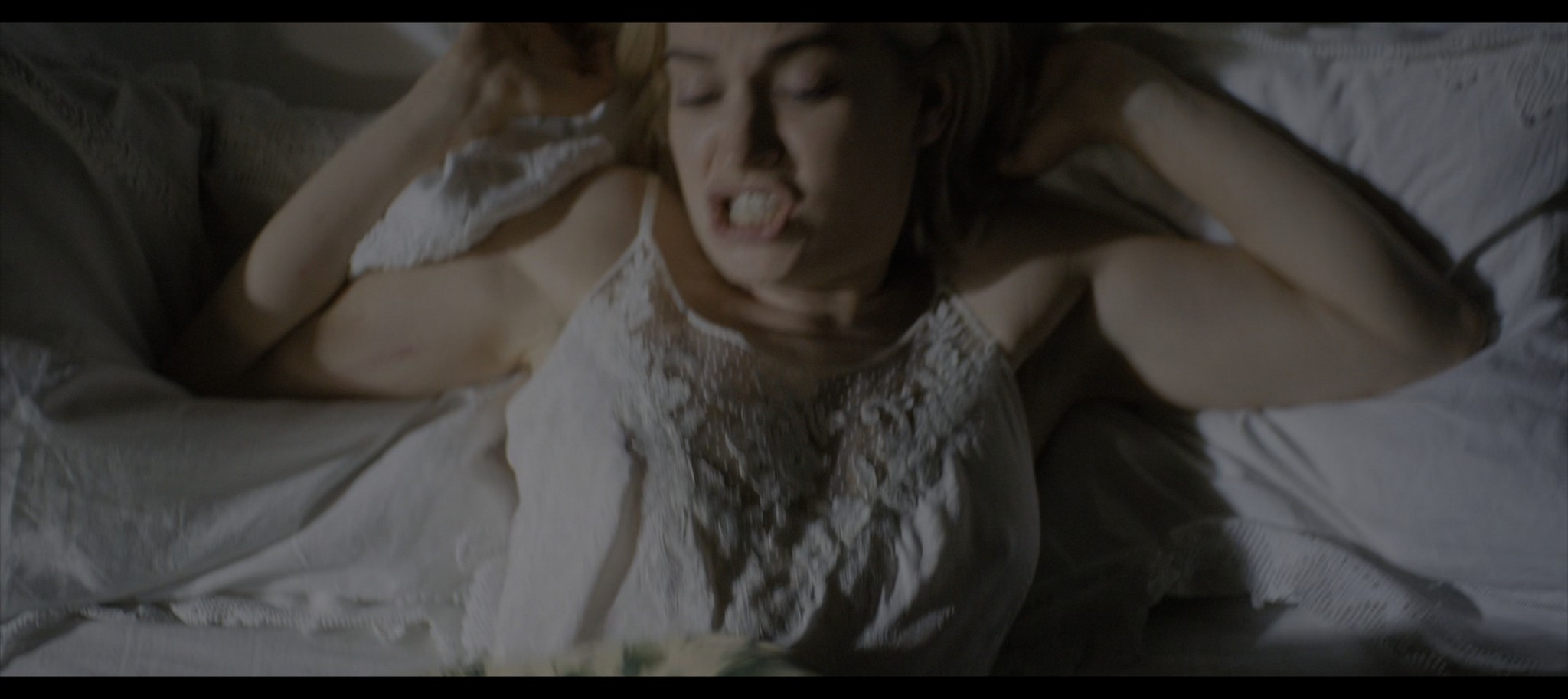 Lily James Rebecca 2020 HD 1080p Web 010