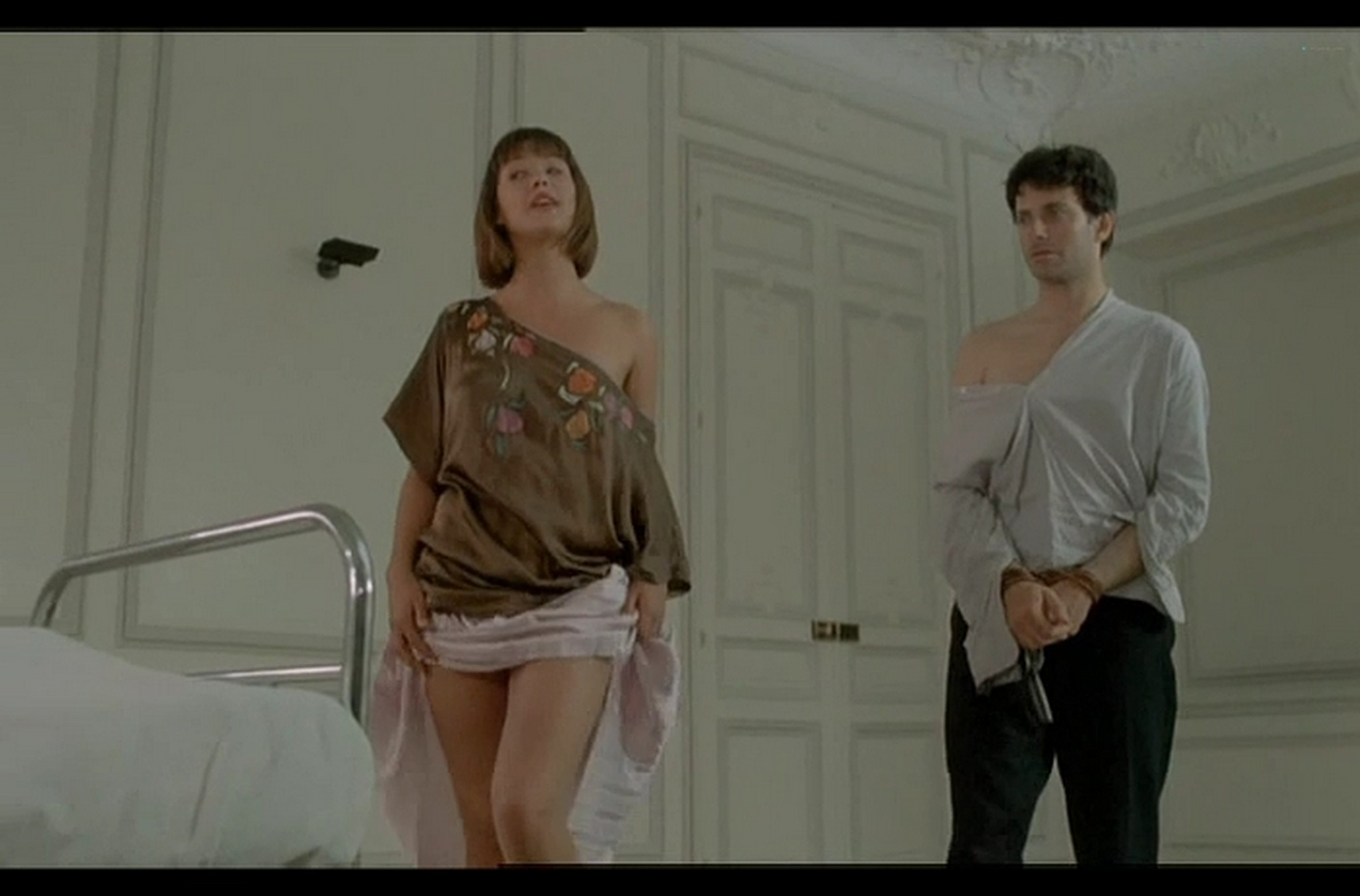 Sophie Marceau nude full frontal Christiane Jean nude too Lamour braque FR 1985 DvDrip 010