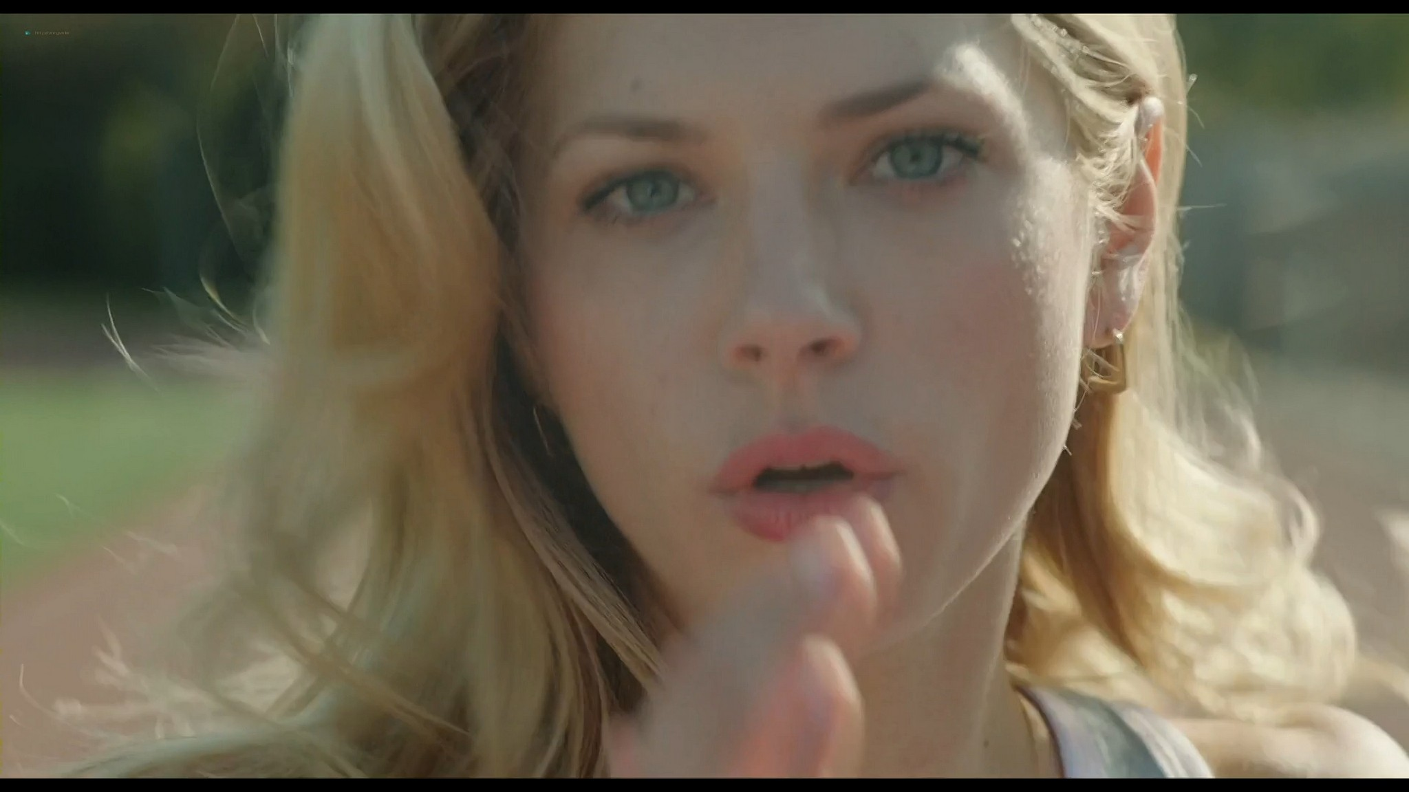 Katheryn Winnick sexy Mary Elizabeth Winstead and other hot A Glimpse Inside the Mind of Charles Swan III 2012 HD 1080p BluRay 002