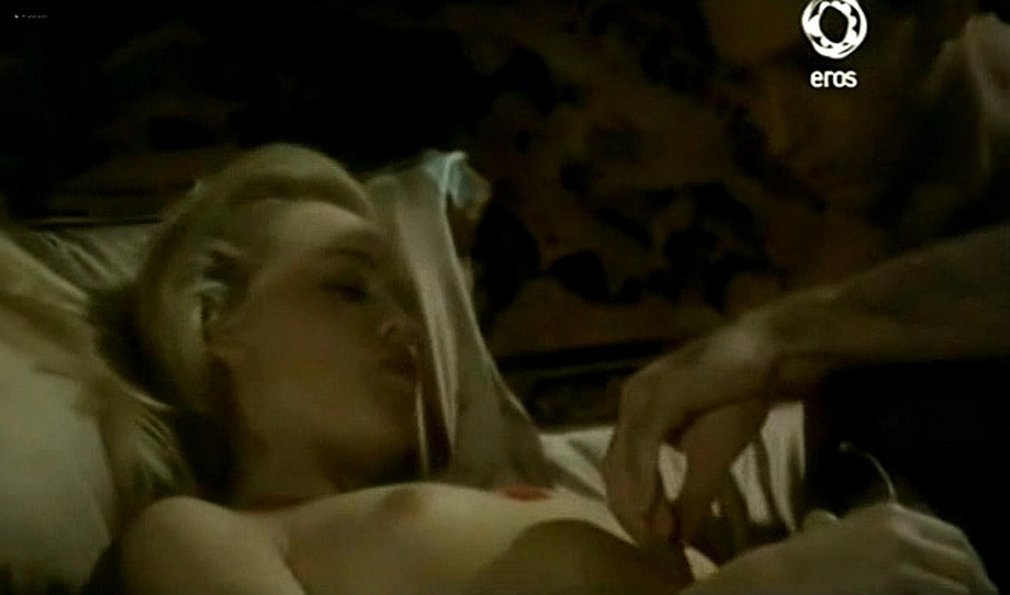 Josie Bissett nude and lot of hot sex Desire IT 1990 TVrip 4