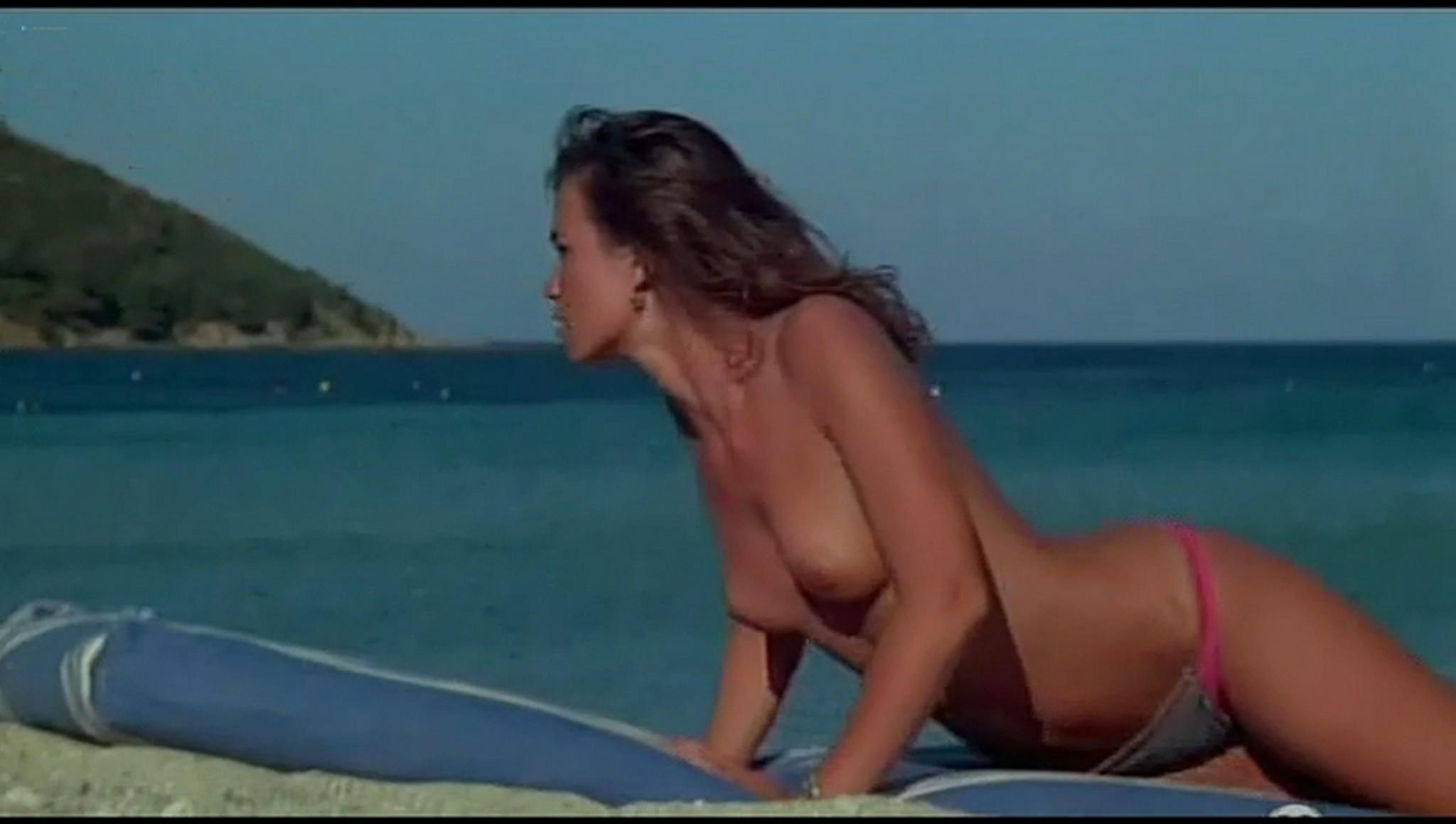 Valerie Kaprisky nude full frontal Caroline Cellier and others nude L annee des meduses 1984 12