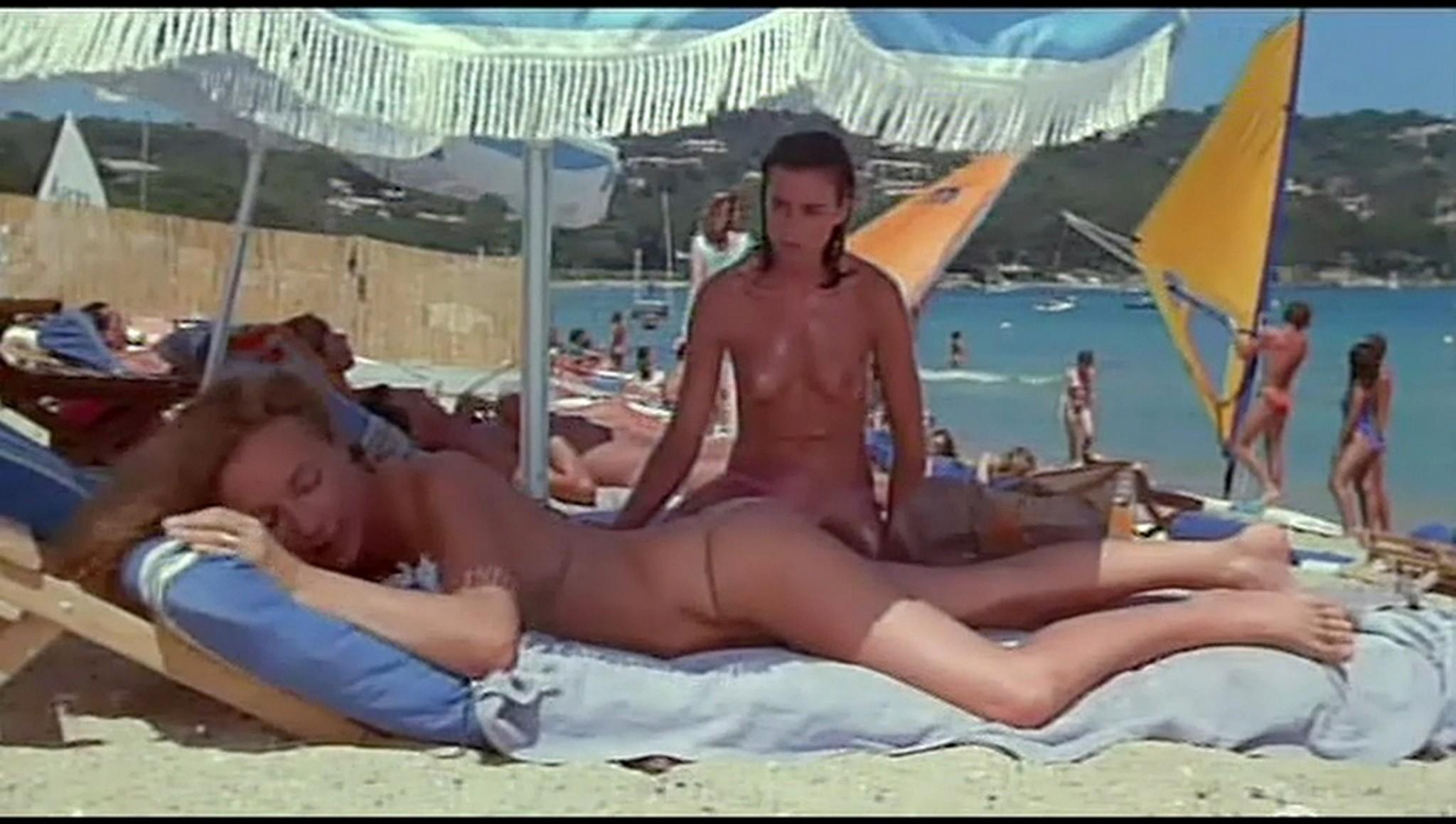 Valerie Kaprisky nude full frontal Caroline Cellier and others nude L annee des meduses 1984 17