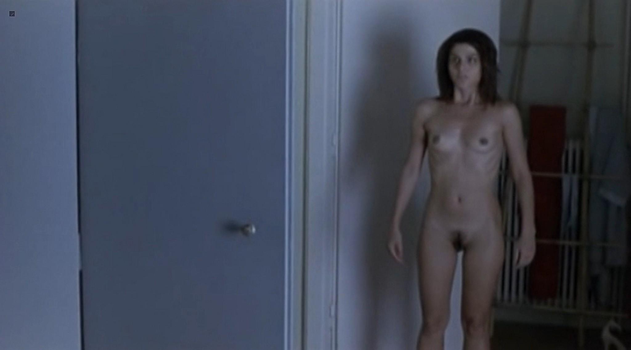 Efi Logginou nude full frontal 45m2 GR 2010 5
