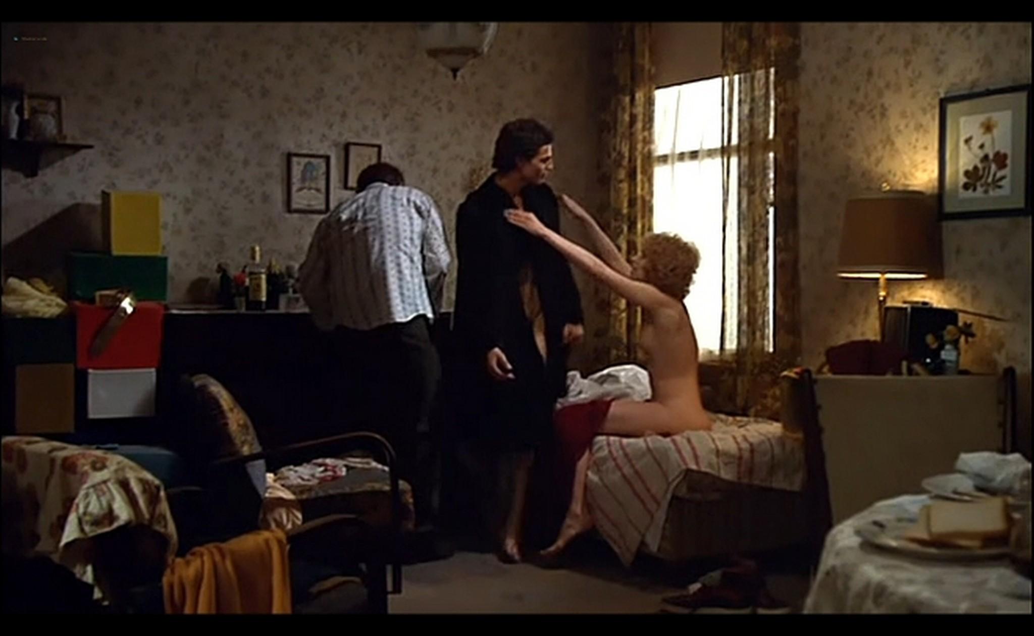 Ornella Muti nude Susan Tyrrell nude full frontal Storie Di Ordinaria Follia 1981 15