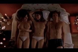 Carice van Houten nude full frontal Halina Reijn nude threesome De Passievrucht NL 2003 12
