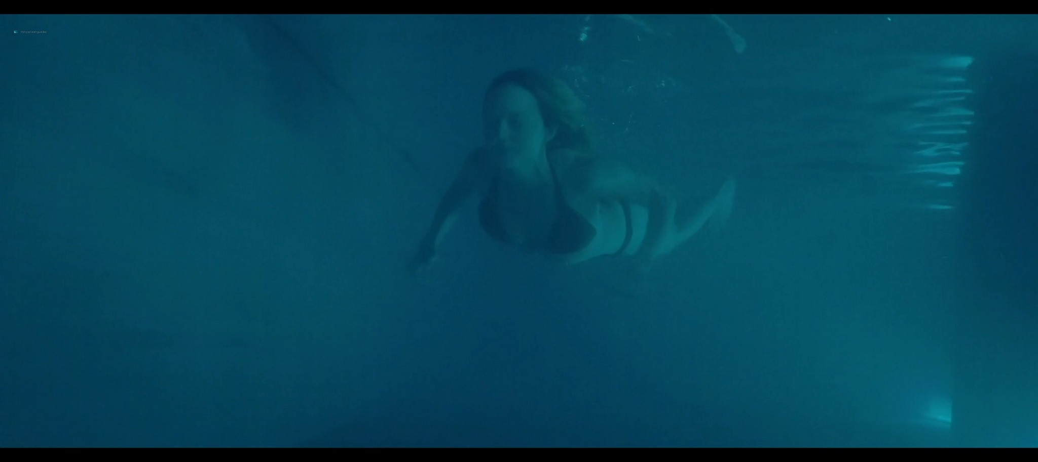 Heather Graham sexy Sophie Nelisse Jodi Balfour hot The Rest of Us 2019 1080p WEB 11