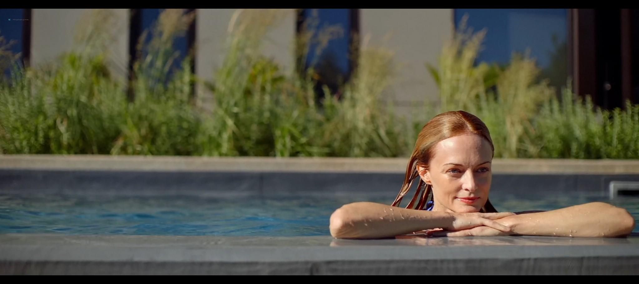 Heather Graham sexy Sophie Nelisse Jodi Balfour hot The Rest of Us 2019 1080p WEB 12