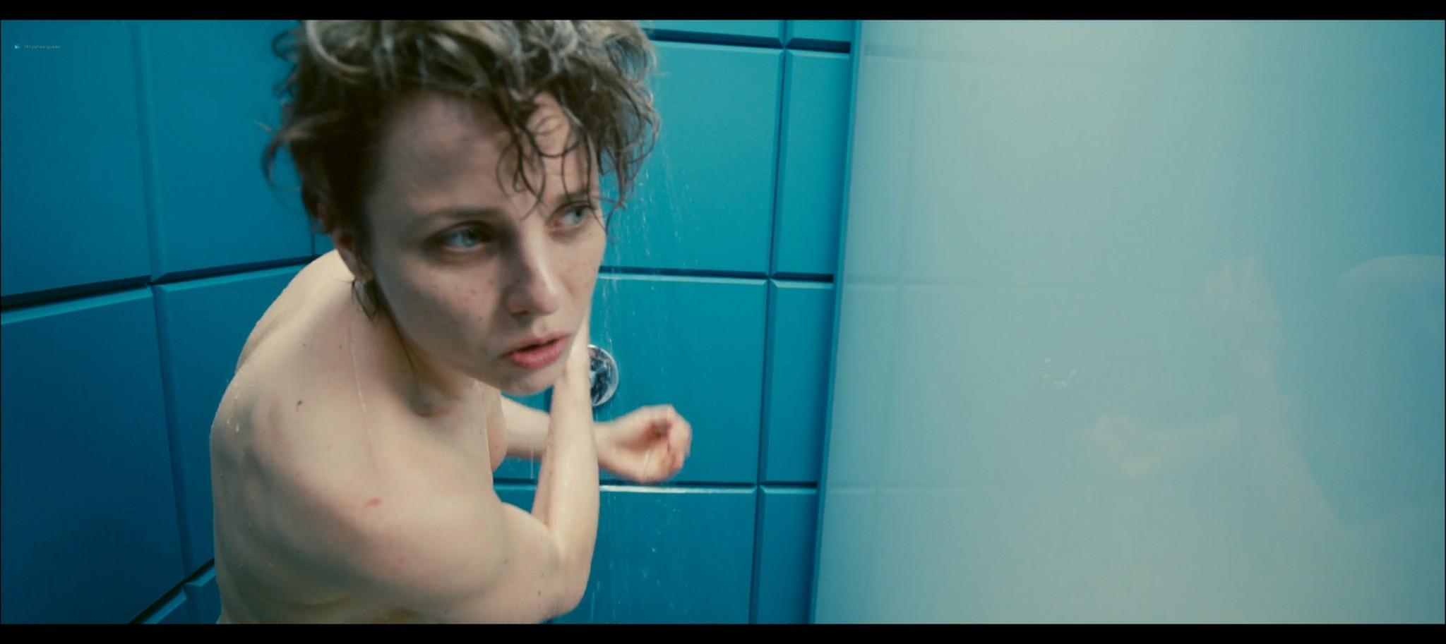 Julia Kijowska nude in the shower Fisheye PL 2020 1080p Web 2