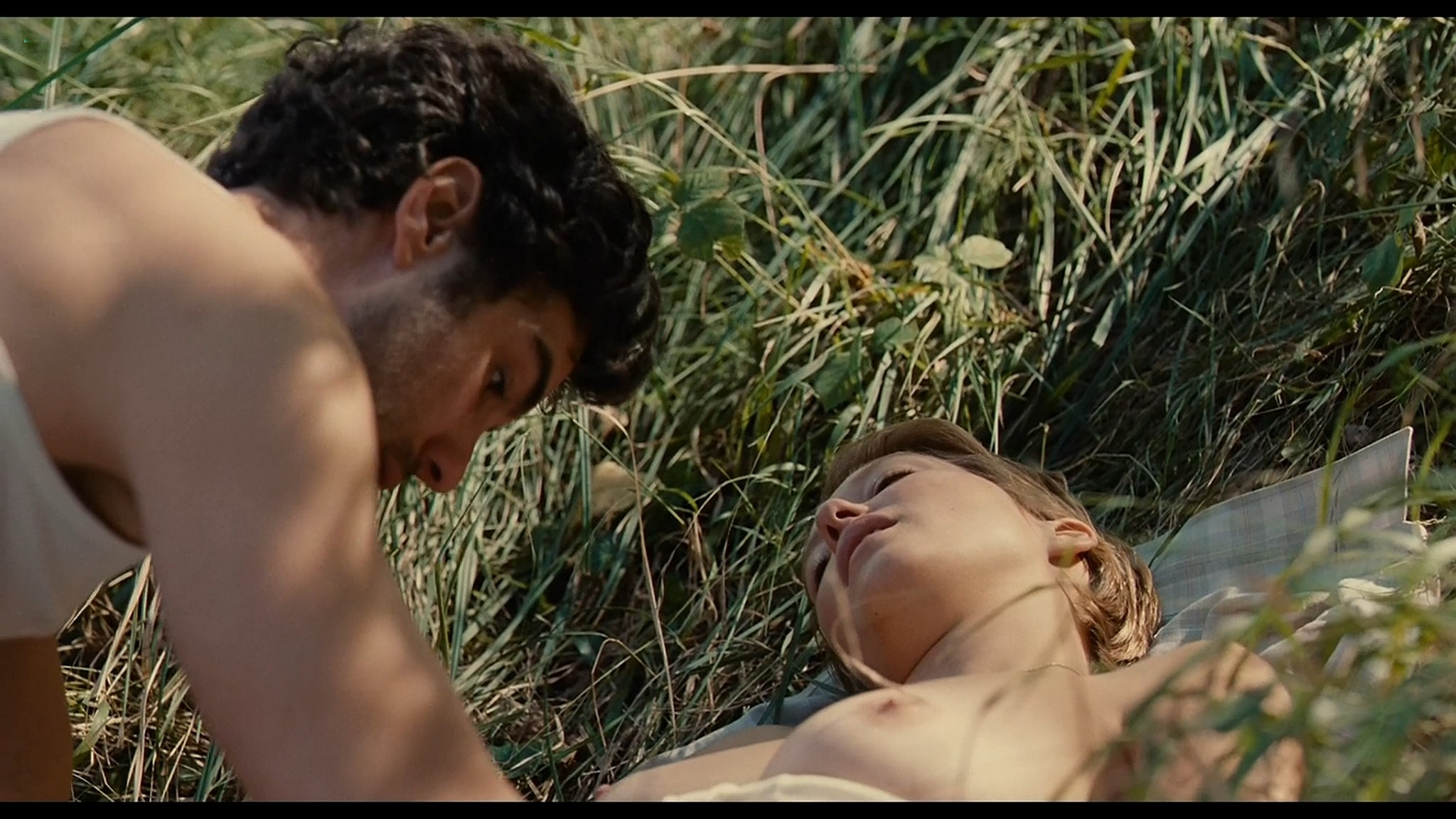 Lea Seydoux nude full frontal bush and sex Grand Central 2013 HD 1080p BluRay 5