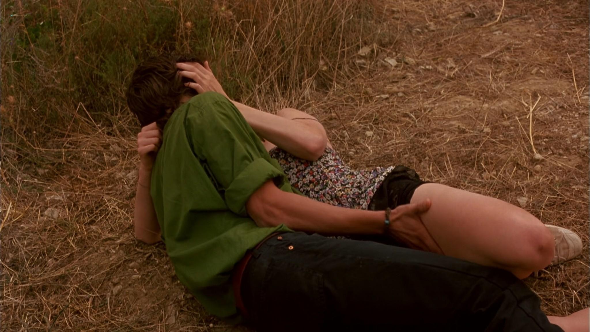 Liv Tyler nude Rachel Weisz Sinead Cusack nude and hot Stealing Beauty 1996 1080p Web 17