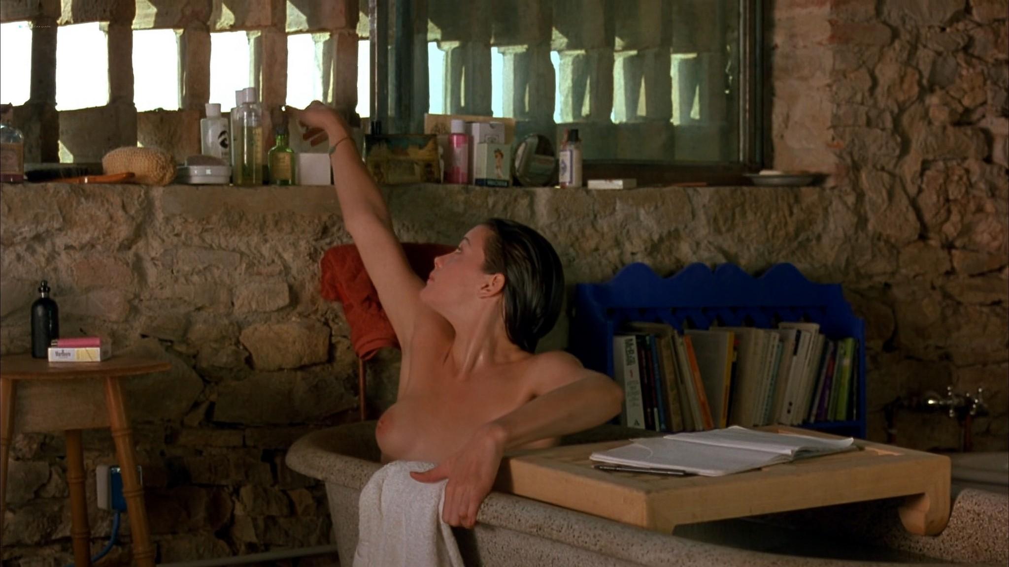Liv Tyler nude Rachel Weisz Sinead Cusack nude and hot Stealing Beauty 1996 1080p Web 9