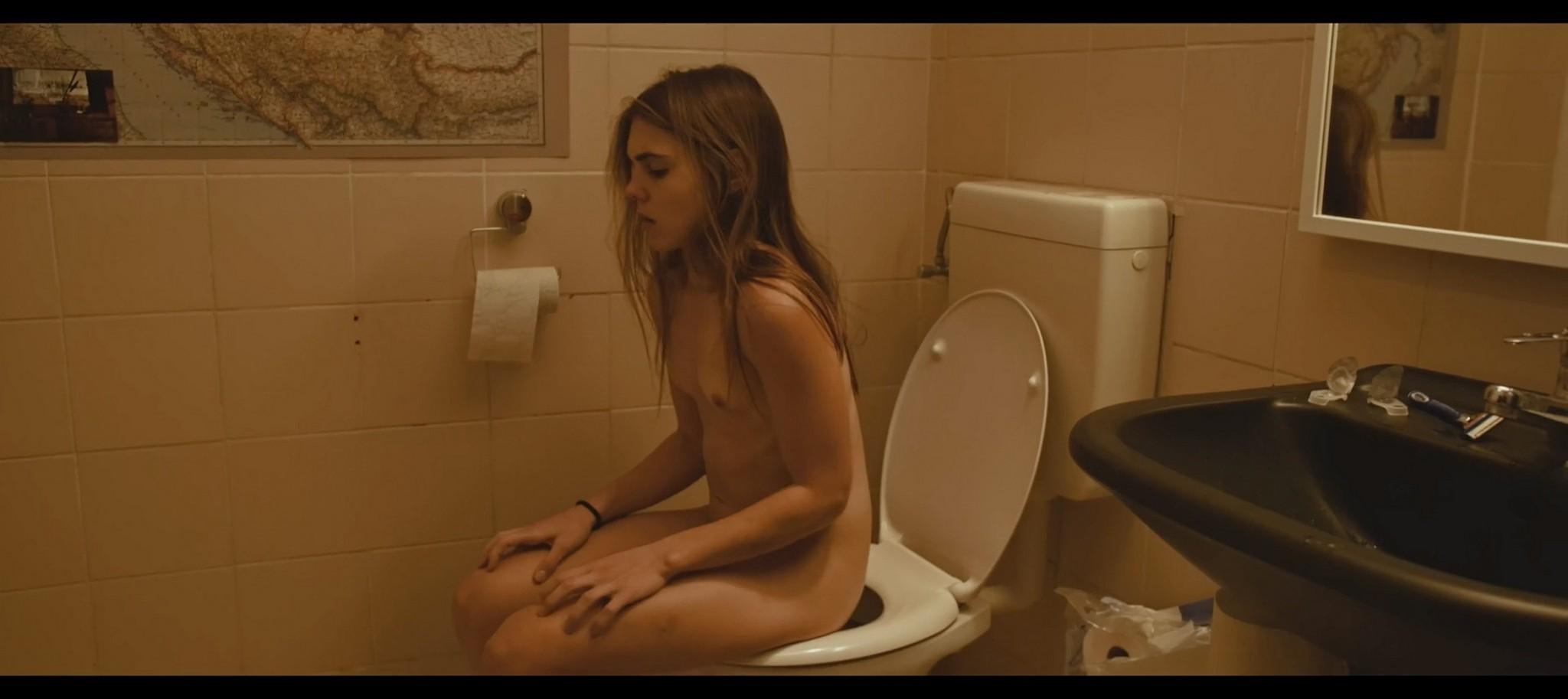 Nelida Martinez nude full frontal Morgenmensch DE 2016 1080p 4