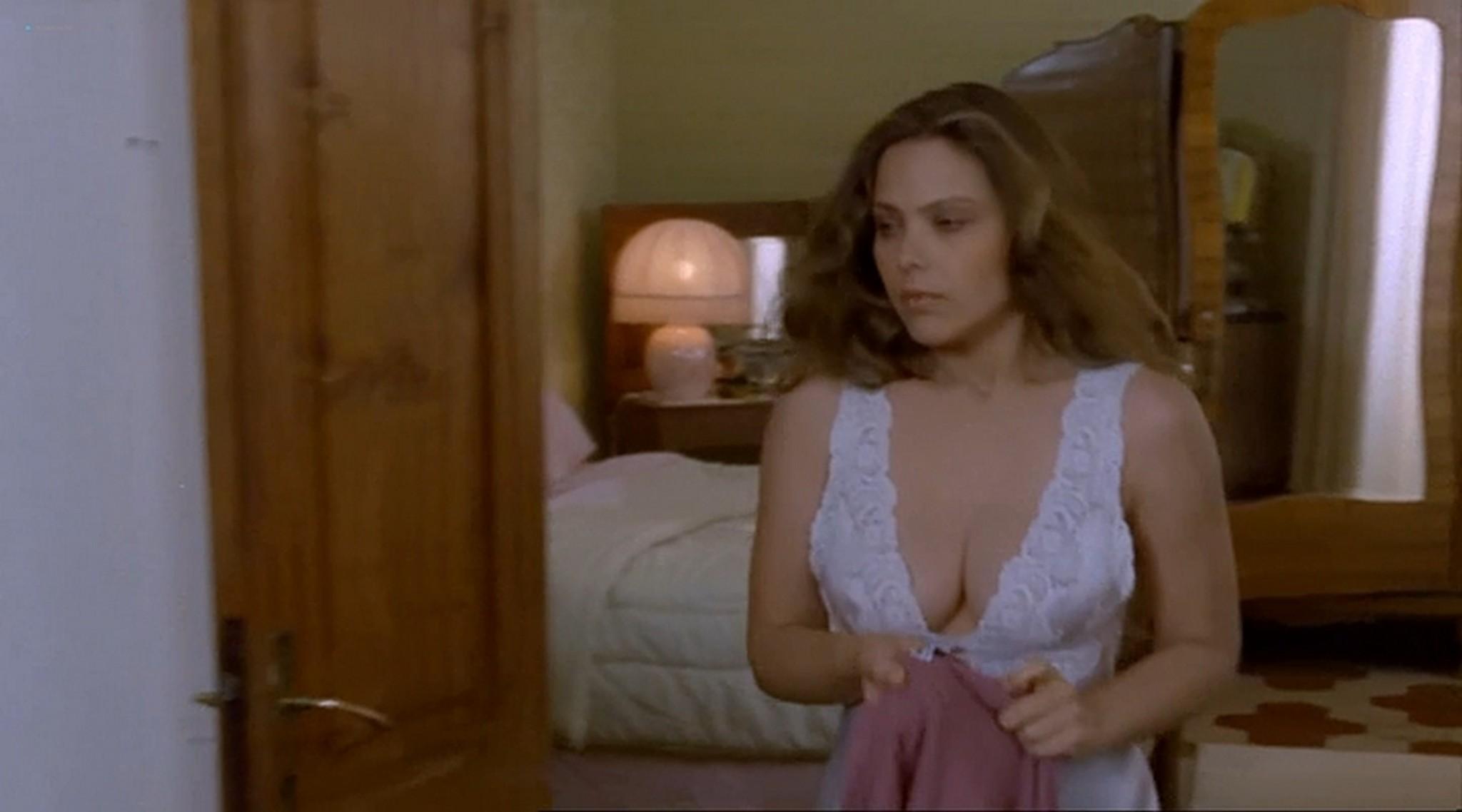 Ornella Muti nude topless and sexy Il Frullo del Passero 1988 3