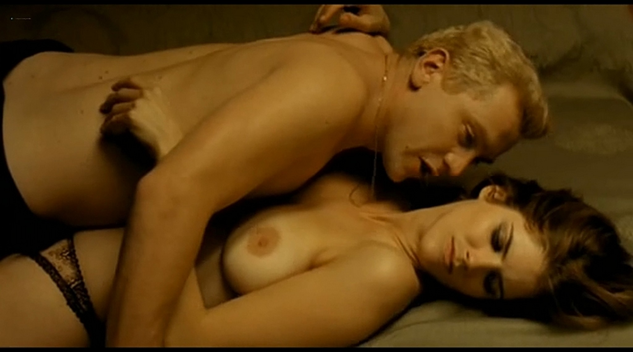 Alice Taglioni nude topless and hot sex Grande ecole FR 2004 DVDRip 17