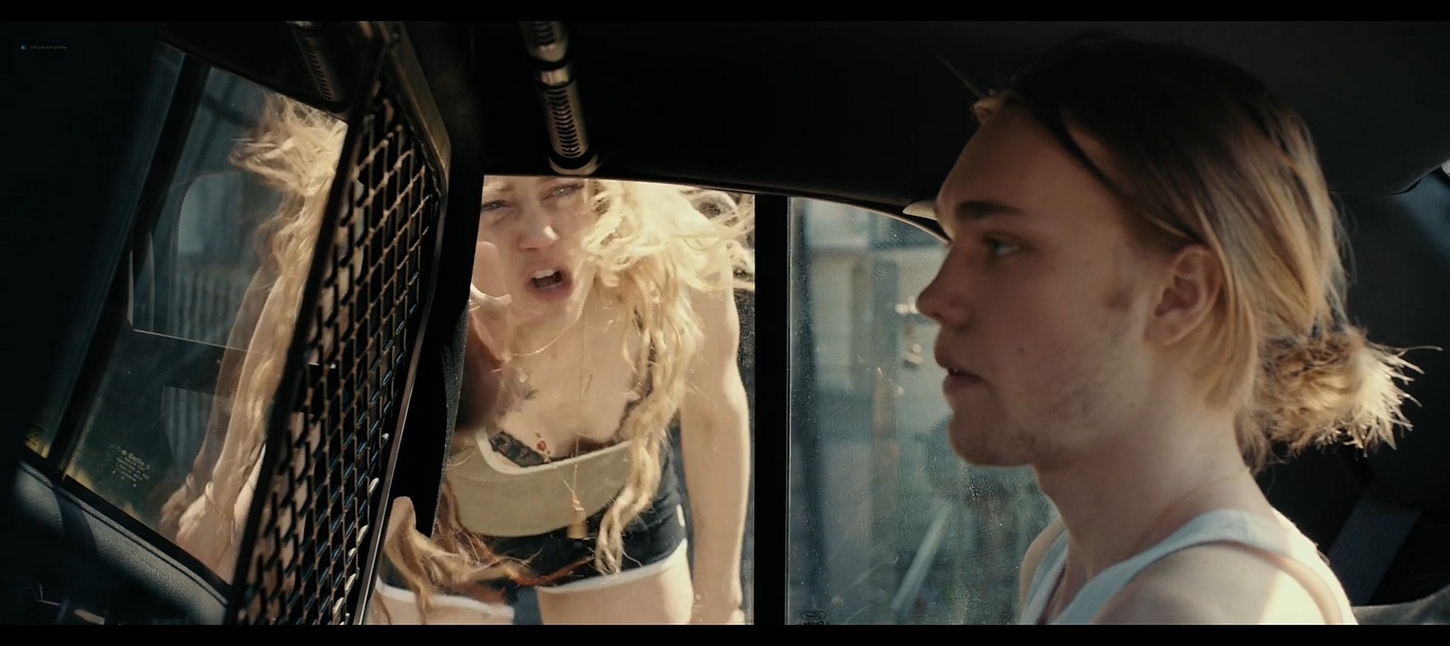 Amber Heard hot Madisen Hill Elizabeth Posey sexy Gully 2019 1080p Web 15