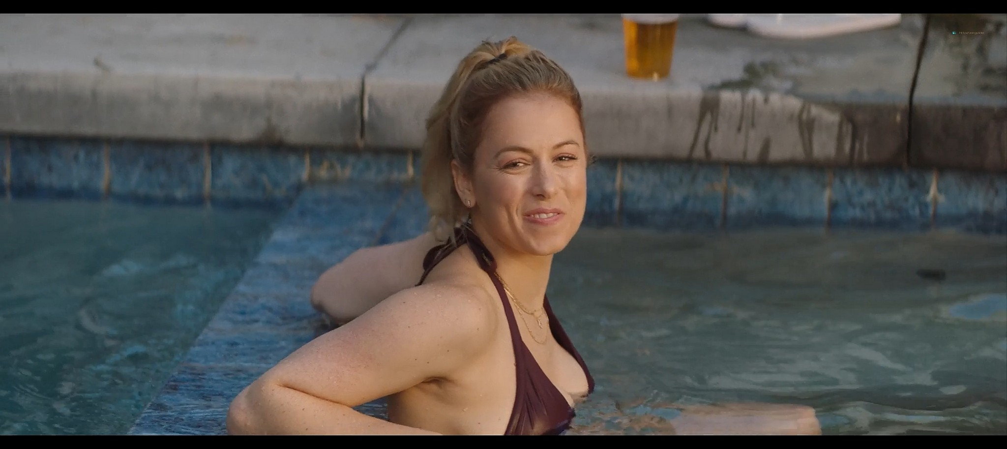 Iliza Shlesinger hot and sexy Good on Paper 2021 1080p Web 4
