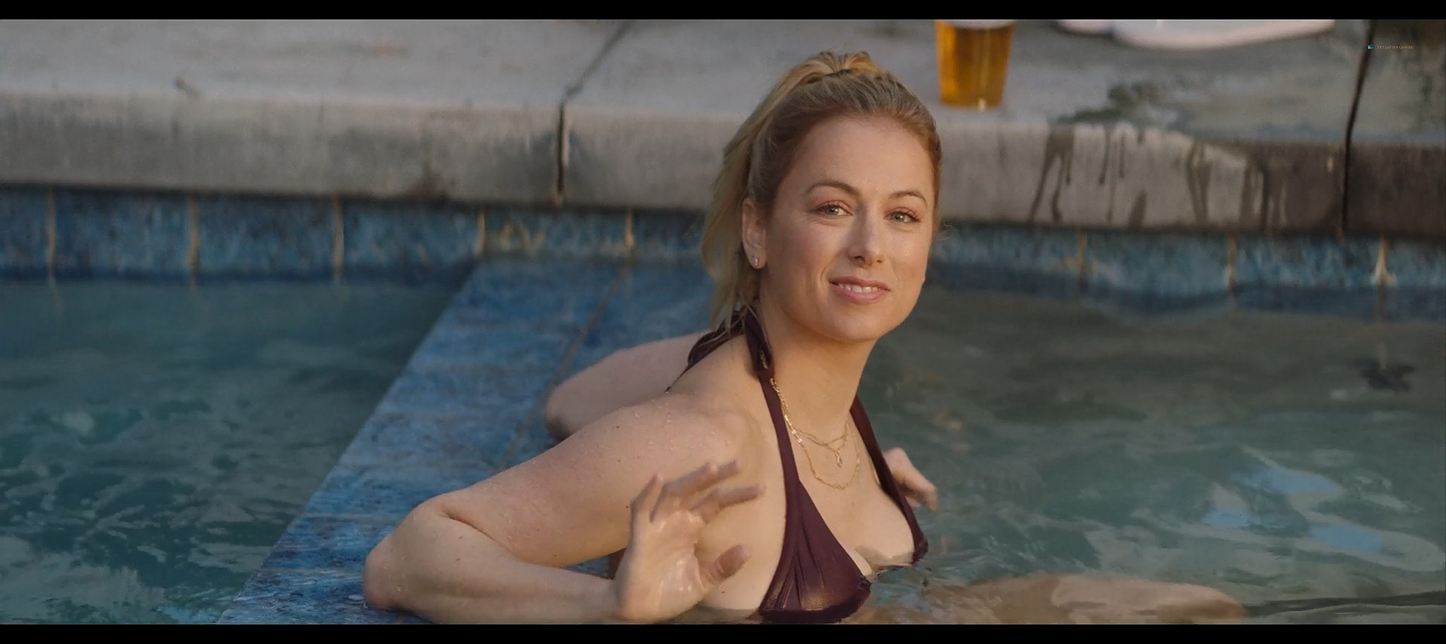 Iliza Shlesinger hot and sexy Good on Paper 2021 1080p Web 5