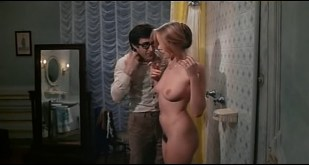 Gloria Guida nude full frontal Marilda Donà nude too - L' affittacamere (IT-1976) DVDRip