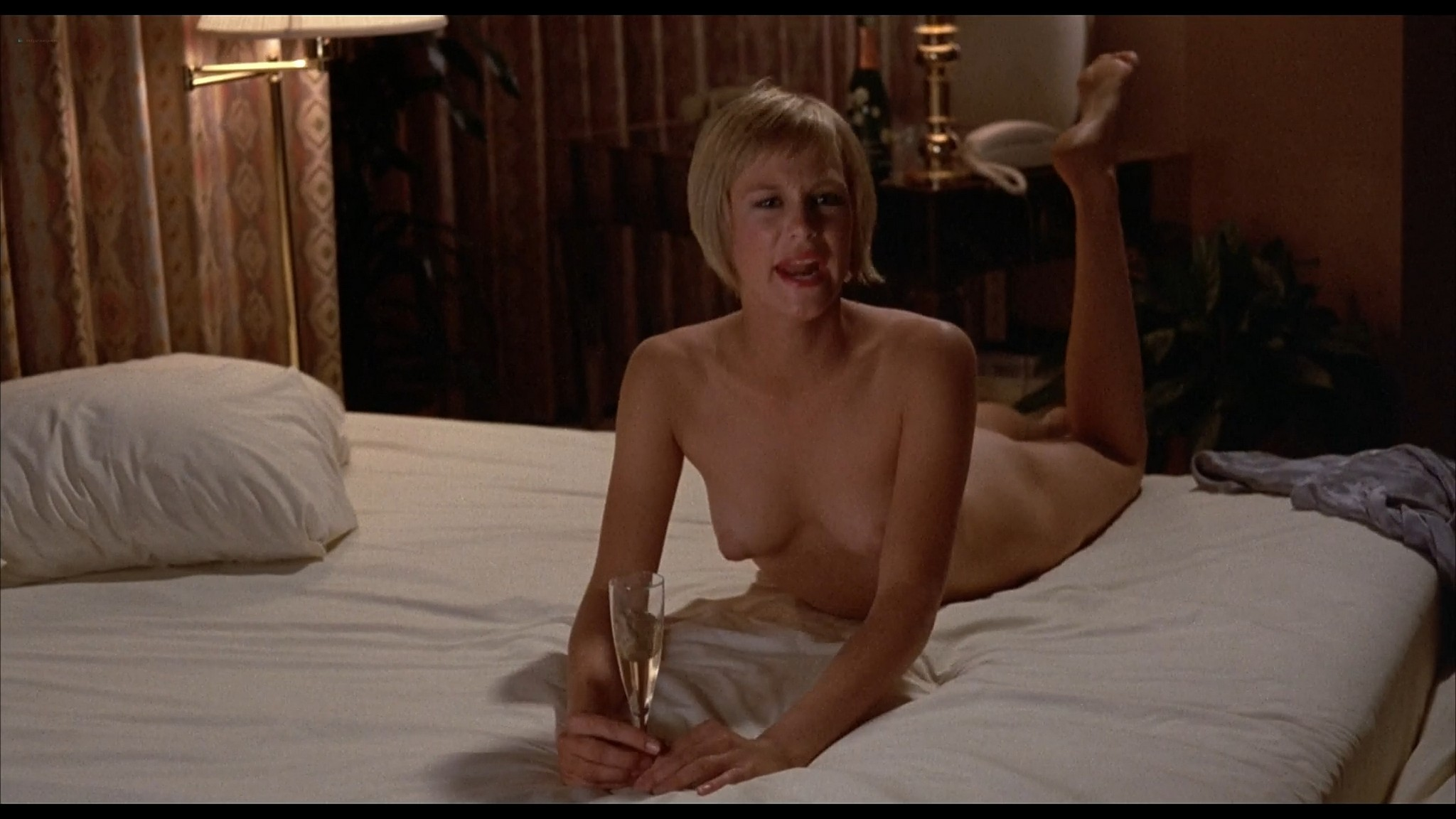 Victoria Tennant sexy Claudia Stenke nude topless Best Seller 1987 1080p Web