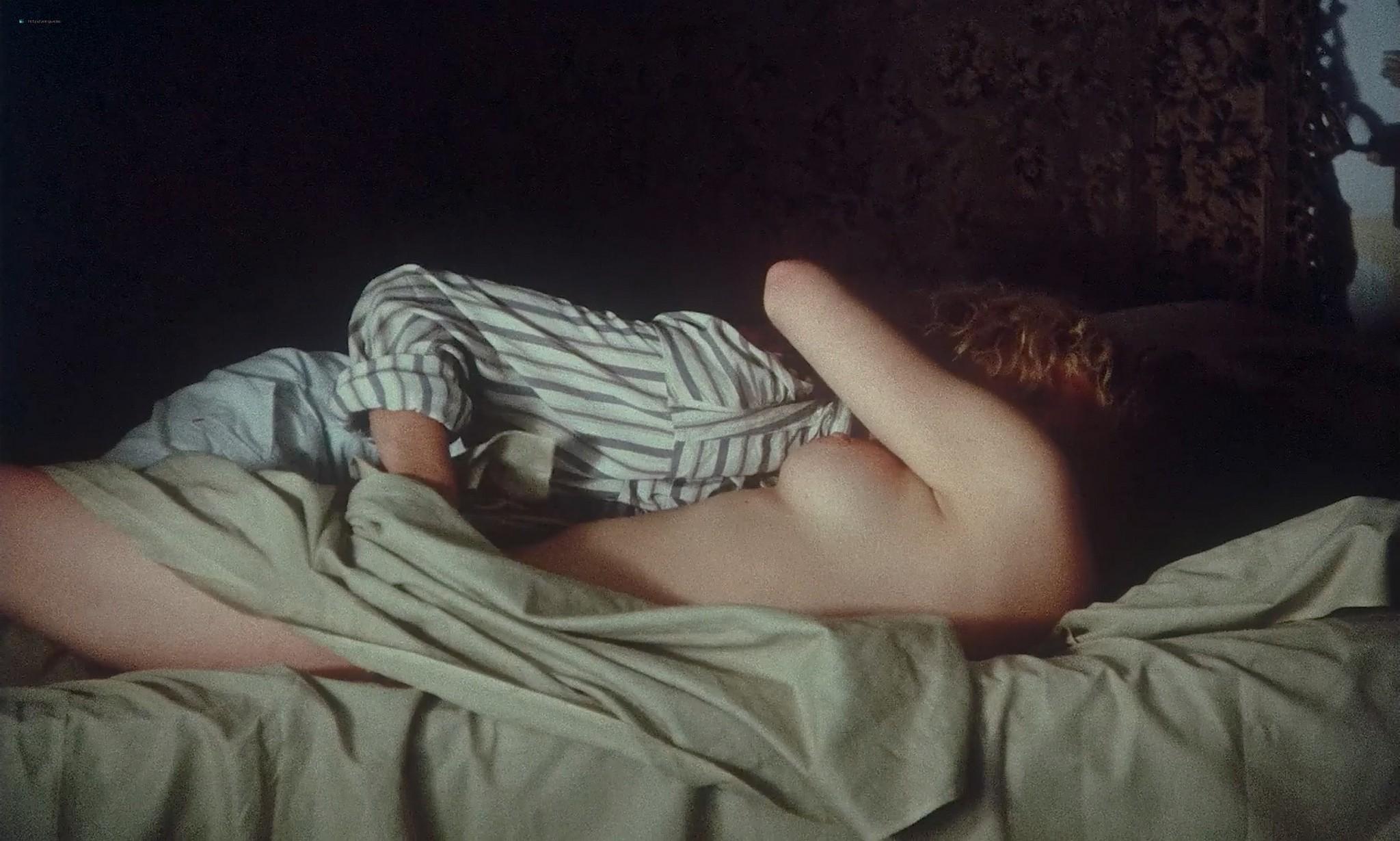 Maria Schneider nude lesbian sex with Monique van de Ven Een vrouw als Eva NL 1979 1080p BluRay 13