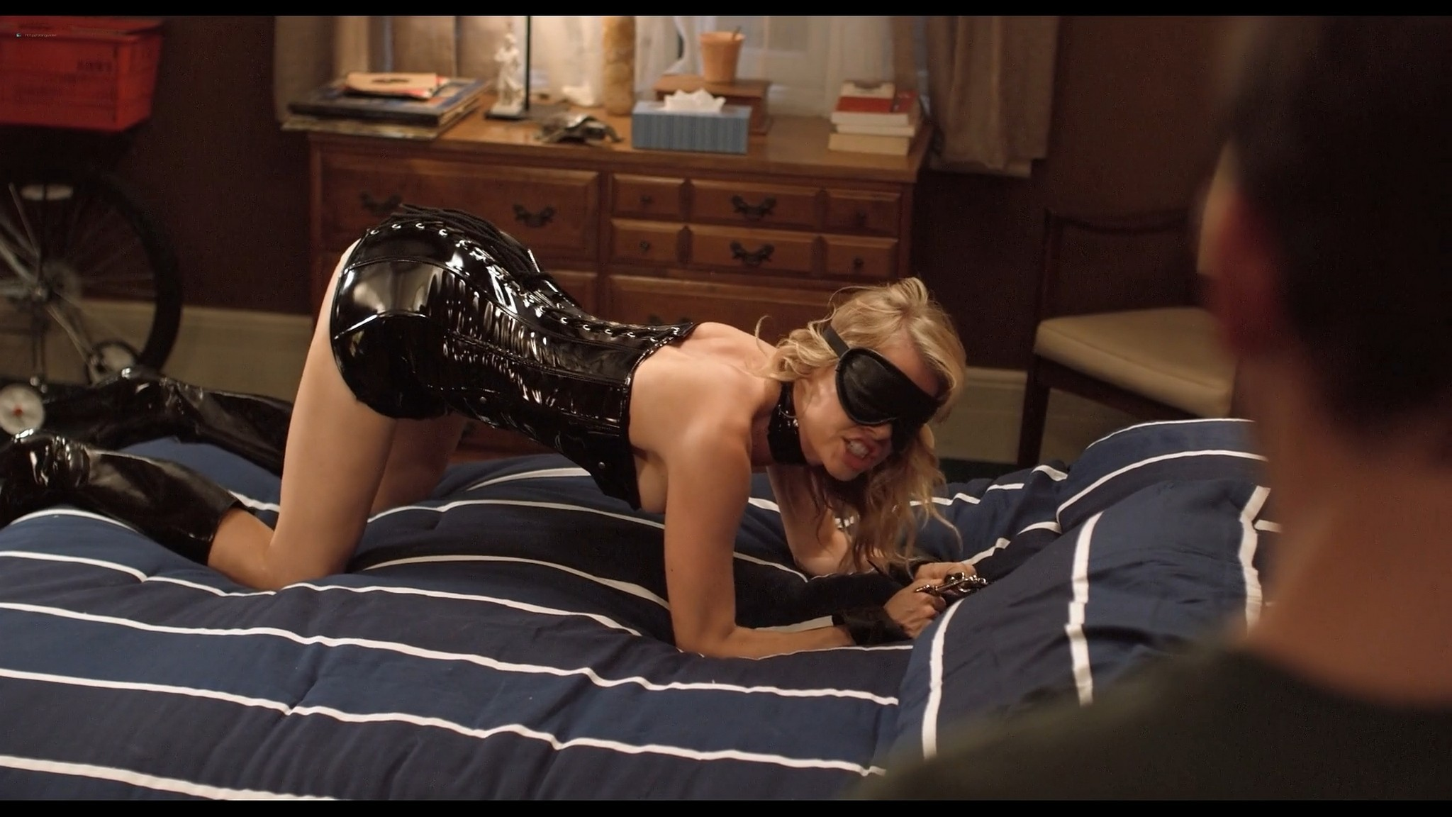 Mircea Monroe sexy Jessie Lee nude others nude and sexy The 41 Year Old Virgin 2010 1080p BluRay 12