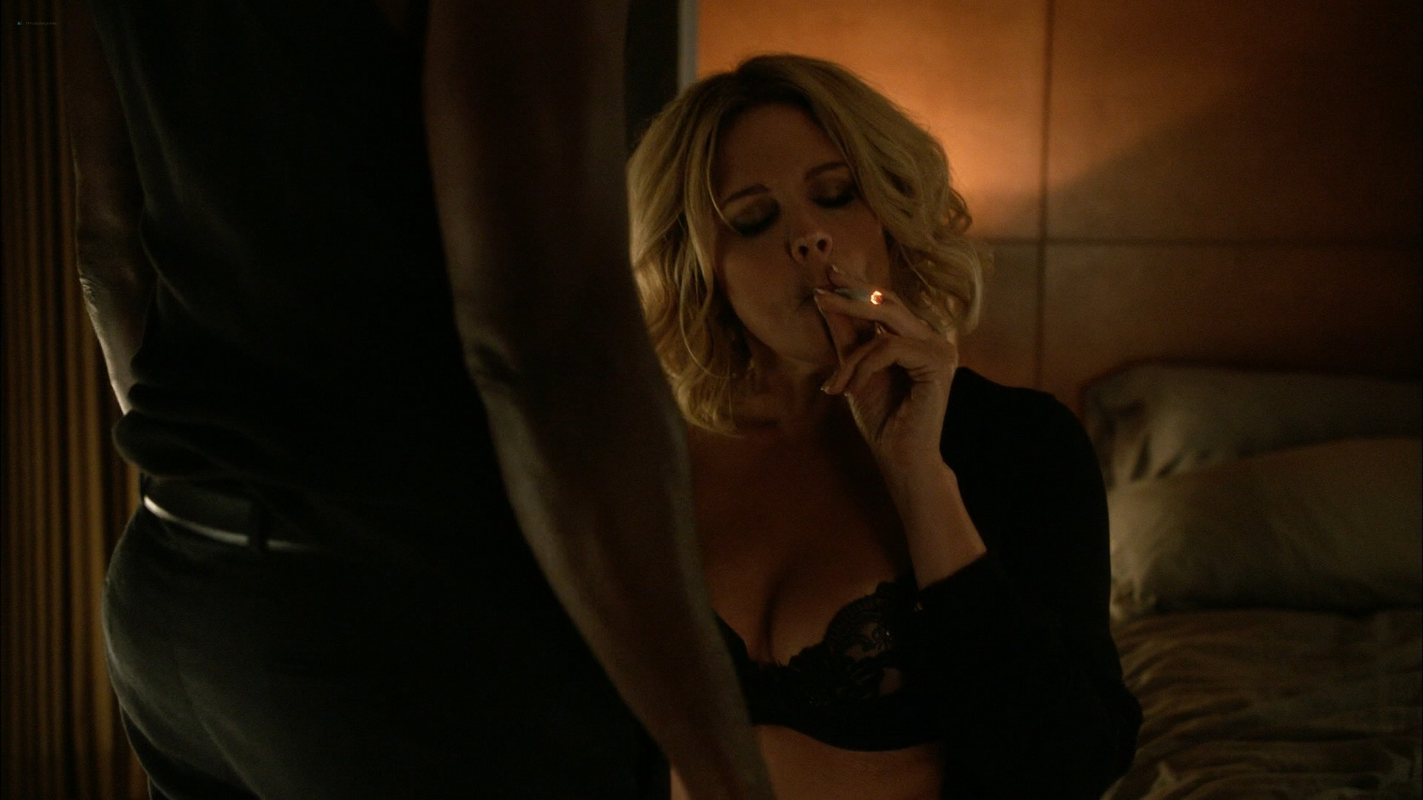 Alicia Witt topless Kristen Bell Valorie Curry and other sex and hot House of Lies 2015 S4 1080p Web 16