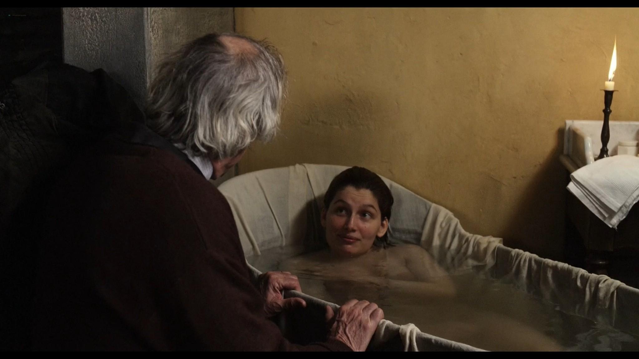 Laetitia Casta nude topless and very hot La jeune fille et les loups 2007 HD 1080p BluRay 10