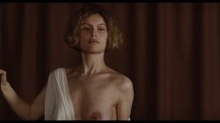 Laetitia Casta nude topless and very hot - La jeune fille et les loups (2007) HD 1080p BluRay