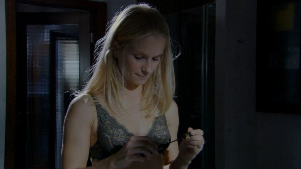 Magdalena Cielecka nude and sex S@motnosc w sieci PL 2006 1080p Web 7