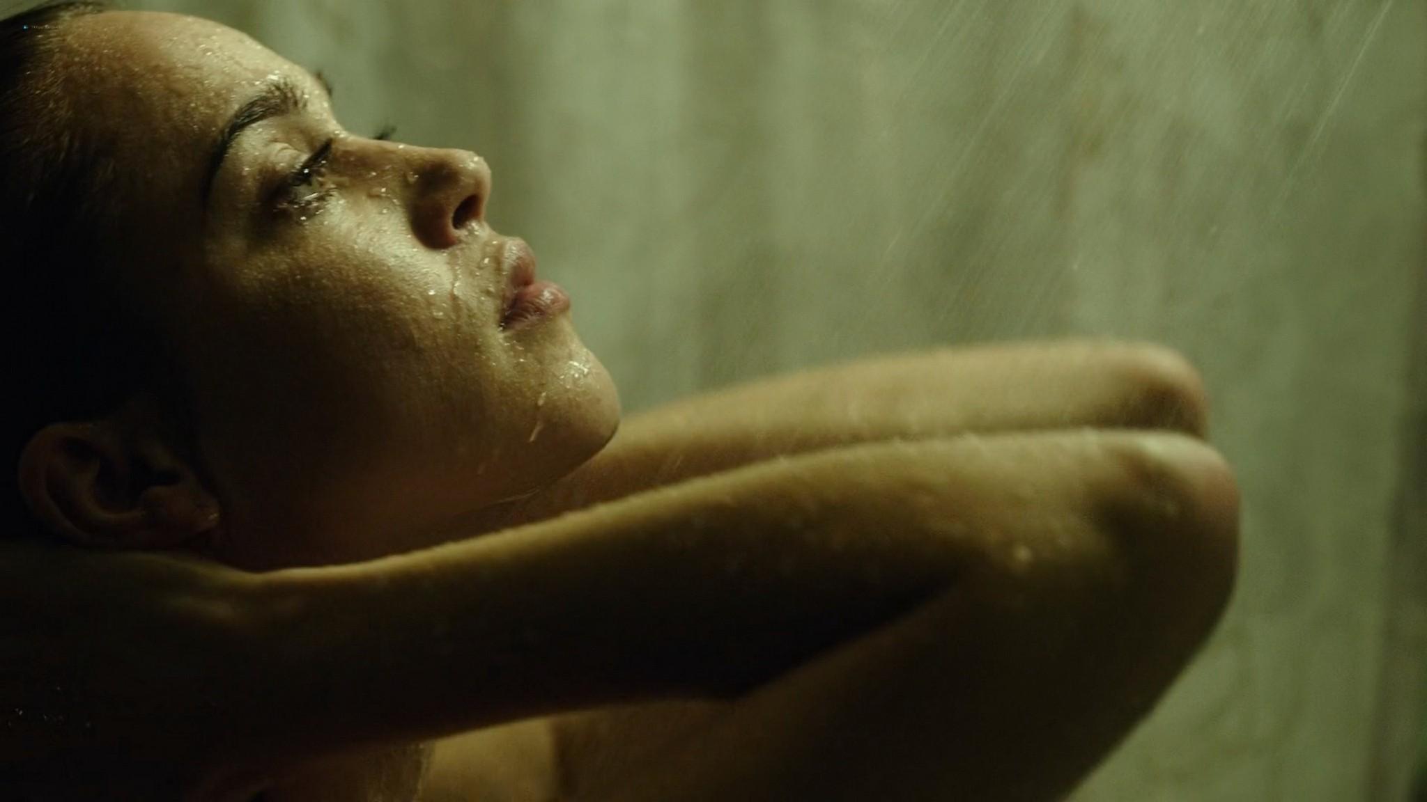 Matilda Anna Ingrid Lutz hot and sexy Rings 2017 1080p BluRay 11