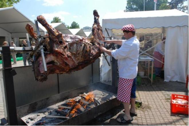 O Festival de Cerveja Tcheca não deixa ninguém com fome | Foto: Divulgação