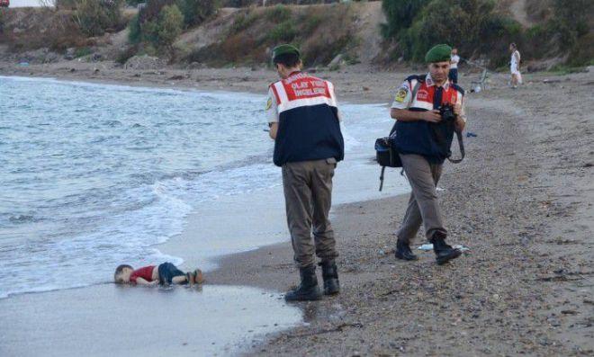 Corpo de criança refugiada é encontrado no mar da Turquia | Foto: AP