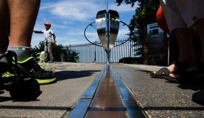 O Meridiano de Greenwich que serve como ponto de referência global | Foto: Phys