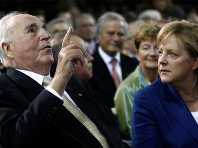 «Οι Έλληνες θα έπρεπε να είχαν υποβάλει αίτημα για τις πολεμικές αποζημιώσεις το 1990»