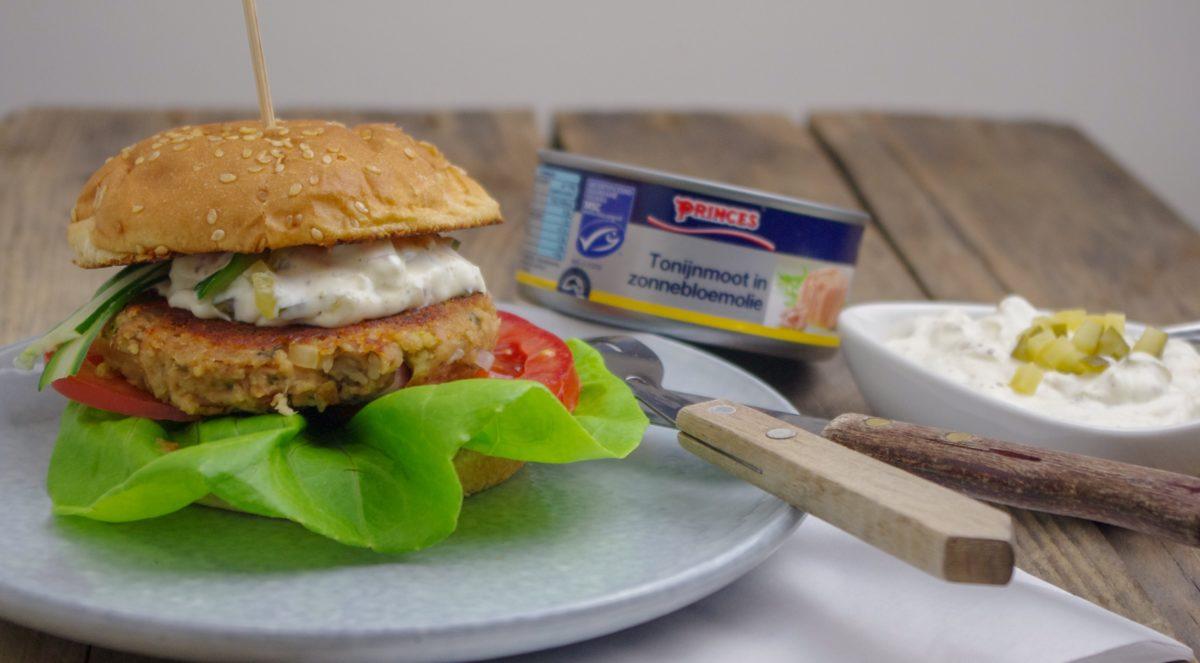Frisse tonijnburger met ravigottesaus