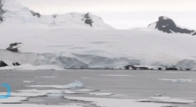 Откриха огромна дупка в Антарктида