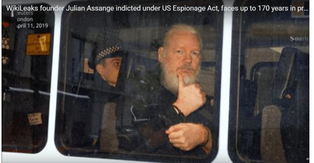 Джулиан Асанж обвинен в шпионаж. Очакват го 170 години затвор