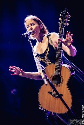 """Suzanne Vega, festival """"Musiques en stock"""" (Cluses), le 4 juillet 2015."""