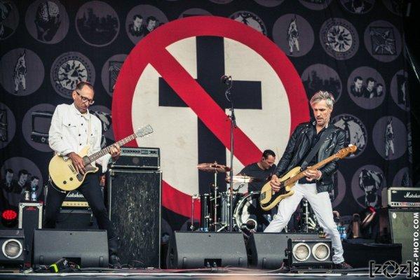 Bad Religion au Hellfest à Clisson, le 18 juin 2016. Festival de musiques extrêmes et metal en France.