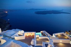 Katikies-Hotel-in-Santorini-Greece-13