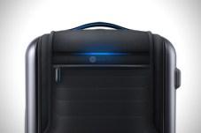Bluesmart-Smart-Carry-On-Suitcase-3
